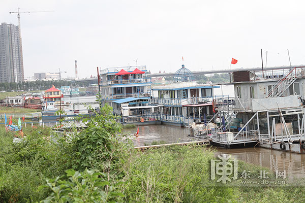 Harbin gets tough on illegal operators along Songhua River banks